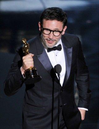 Oscar 2012: Michel Hazanaviicius viene premiato con l'Oscar per la miglior regia per The Artist