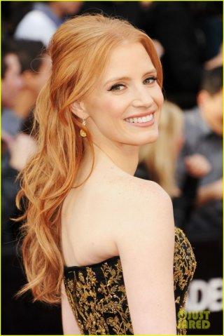 Oscar 2012: una splendida Jessica Chastain sul tappeto rosso