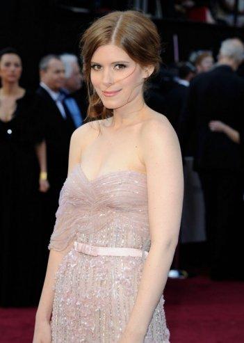Oscar 2012: una splendida Kate Mara sul red carpet