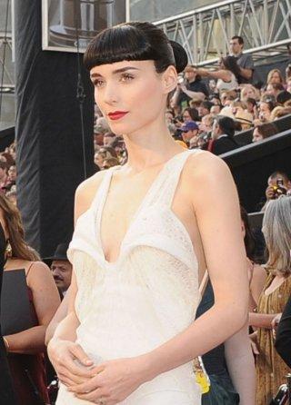 Oscar 2012: una splendida Rooney Mara sul red carpet