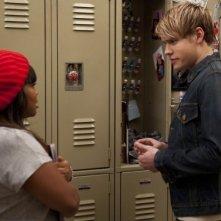 Glee: Amber Riley e Chord Overstreet in una scena dell'episodio Cuore