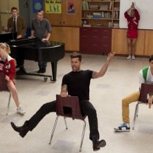 Glee: Heather Morris, Ricky Martin e Harry Shum jr. in una sscena de L'insegnate di spagnolo