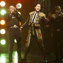 Glee: Matthew Morrison in una scena de L'insegnate di spagnolo