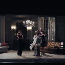Magnifica presenza: Vittoria Puccini, Margherita Buy, Ambrogio Maestri e Claudia Potenza in una scena del film