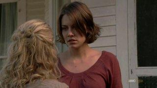 The Walking Dead: Lauren Cohan e, di spalle, Laurie Holden, in una scena dell'episodio Scelte