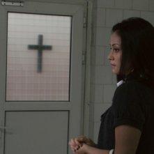 Fernanda Andrade nei panni di Isabella Rossi in un'immagine del film L'altra faccia del diavolo