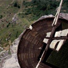 I colori della passione: una bellissima immagine dall'alto del mulino tratta dal film