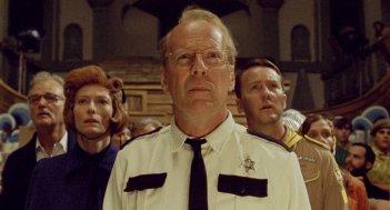 Bruce Willis, Tilda Swinton, Bill Murray e Edward Norton in una scena di Moonrise Kingdom