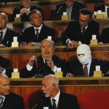 Buona giornata: Lino Banfi in una bizzarra scena della commedia di Carlo Vanzina