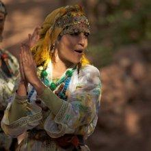 La sorgente dell'amore: la bellissima Leïla Bekhti in una scena di danza del film