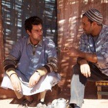 La sorgente dell'amore: Saleh Bakri in una scena del film con Saad Tsouli