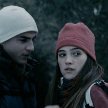 Maxi Iglesias e Ona Casamiquela nel film El secreto de los 24 escalones
