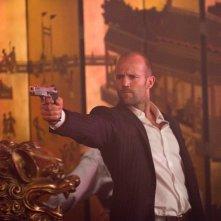 Pistola in pugno per Jason Statham in Safe