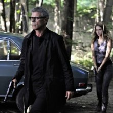 Nikita: Rob Stewart e Lyndsy Fonseca nell'episodio Falling Ash