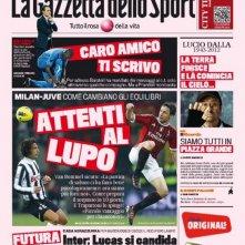 Una straordinaria prima pagina della Gazzetta dello Sport dedicata a Lucio Dalla (con i titoli delle canzoni) il giorno dopo la morte del cantante
