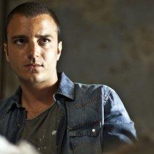 Nicolas Vaporidis in una scena del film tv di Canale 5, Sei passi nel giallo - Souvenirs