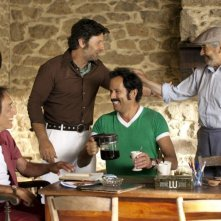 Nos plus belles vacances: Philippe Lellouche, Gérard Darmon, Christian Vadim, Alain Doutey in una scena della commedia francese