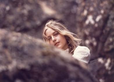 Picnic ad Hanging Rock: Anne-Louise Lambert in una scena del film
