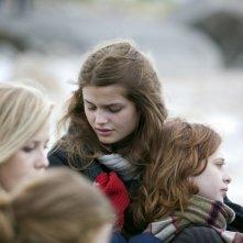 17 ragazze: Louise Grinberg insieme a Yara Pilartz in una tenera immagine del film