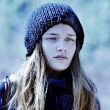 17 ragazze: un pensieroso primo piano di Louise Grinberg in una scena del film
