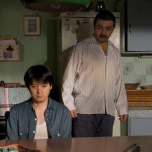 Cosa piove dal cielo?: Ignacio Huang insieme a Ricardo Darìn in una scena del film