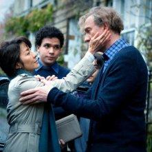Michelle Yeoh insieme a David Thewlis e Jonathan Woodhouse in una scena di The lady