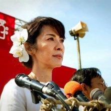 The Lady: Michelle Yeoh con lo sguardo fiero nei panni della pacifista Aung San Suu Kyi