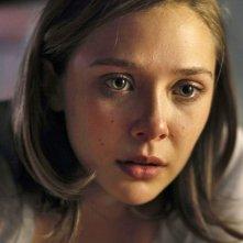Elizabeth Olsen è Sarah, la protagonista di Silent House.