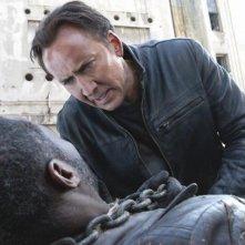 Ghost Rider: Spirito di vendetta, Nicholas Cage e Idris Elba in una scena del film