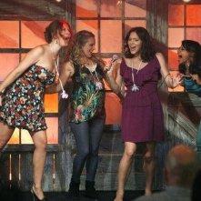 Katharine McPhee si esibisce in una foto di scena dell'episodio Entra Joe Di Maggio di Smash