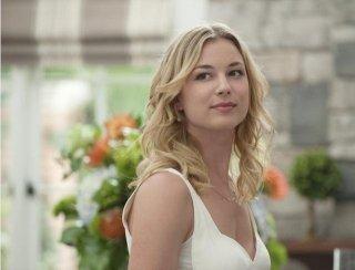 Revenge: Emily VanCamp nell'episodio Sospetto