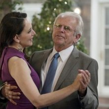 Revenge: Madeleine Stowe e William Devane nell'episodio Perception