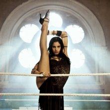 StreetDance 2: Sofia Boutella in una posa plastica tratta dal film