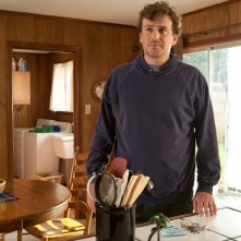 Jason Segel è Jeff in Jeff Who Lives at Home