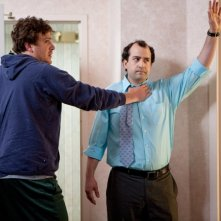 Jason Segel in Jeff Who Lives at Home con Steve Zissis