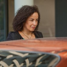 Jeff Who Lives at Home: Rae Dawn Chong in una scena