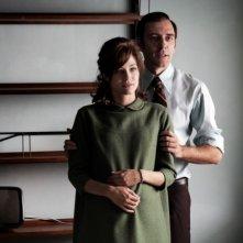 Valerio Mastandrea con Laura Chiatti in una scena di Romanzo di una strage