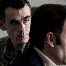 Valerio Mastandrea insieme a Thomas Trabacchi in una scena di Romanzo di una strage