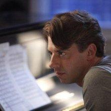Christian Borle nel ruolo del musicista Tom Levitt nell'episodio Alchimie di Smash
