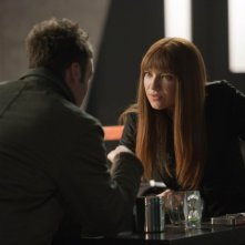 Fringe: Anna Torv e Seth Gabel nell'episodio Enemy of My Enemy