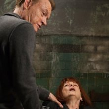 Fringe: Jared Harris e Blair Brown nell'episodio The End of All Things