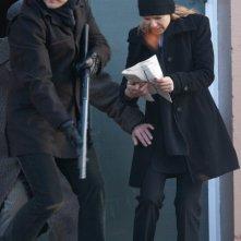 Fringe: Joshua Jackson e Anna Torv nell'episodio Welcome to Westfield