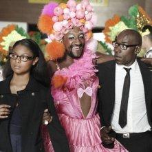 Lucien Jean-Baptiste e Loreyna Colombo nel film 30° couleur 'travolti' dalla vitalità di Edouard Montoute