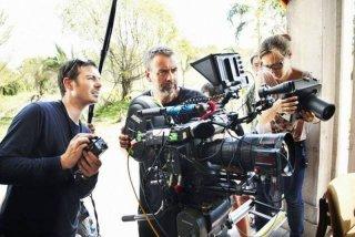 The Lady: il regista Luc Besson sul set del film