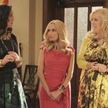 GCB: Miriam Shor, Kristin Chenoweth e Jennifer Aspen nell'episodio Hell Hath No Fury