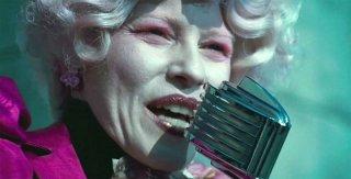 Elizabeth Banks è Effie Trinkets nel film Hunger Games
