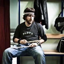 I più grandi di tutti: Alessandro Roja in una scena del film con le sue bacchette di legno