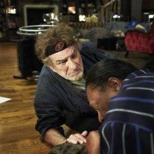 Eddy Mitchell in una scena de L'oncle Charles