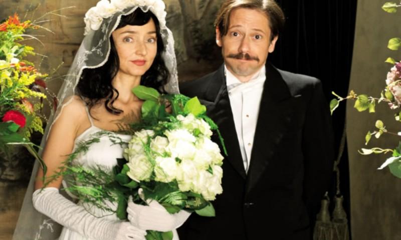 Pollo Alle Prugne Mathieu Amalric E Maria De Medeiros In Una Scena Del Film 235244