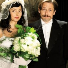 Pollo alle prugne: Mathieu Amalric e Maria de Medeiros in una scena del film